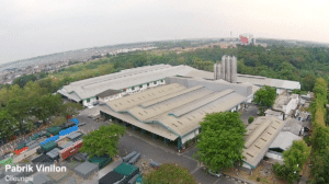 vinilon dengan pabrik yang luas